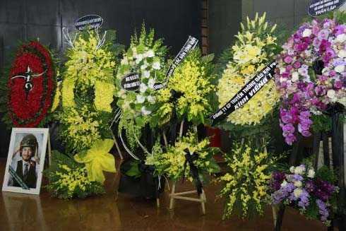 Tang lễ của thủ lĩnh ban nhạc Bức tường đã diễn ra sáng 23/3 tại Nhà tang lễ Bộ Quốc phòng, Hà Nội.