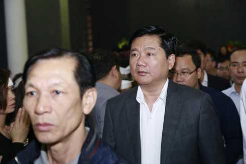 Ông Đinh La Thăng - Bí thư Thành ủy TP.HCM tới đưa tiễn rocker Trần Lập về với đất mẹ