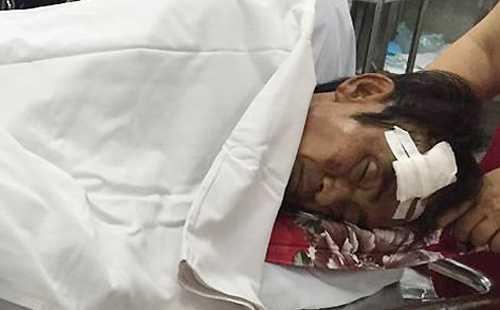 Ông Huỳnh Văn Nén bị tai nạn xe máy, được theo dõi. Ảnh VnExpress.