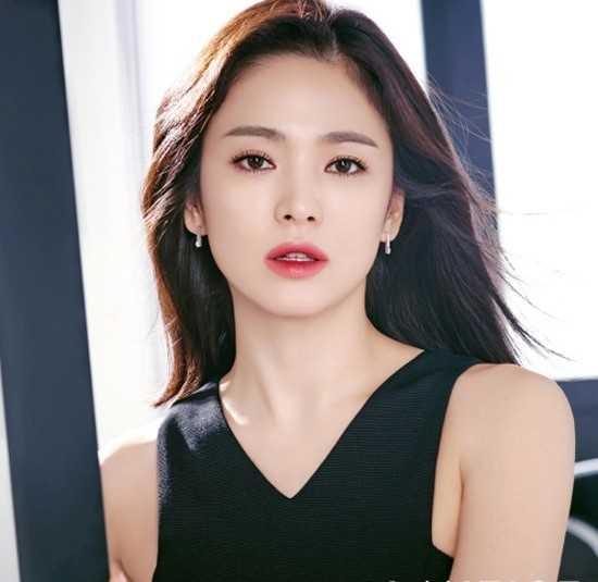 Song Hye Kyo đệ đơn kiện vì tin đồn là gái bao phục vụ đại gia. Ảnh: Newsen.