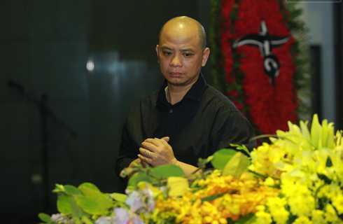 Diễn viên Anh Tuấn của Nhà hát Tuổi trẻ sớm có mặt tiễn đưa rocker Trần Lập