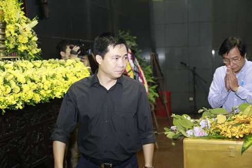 Đạo diễn Đỗ Thanh Hải và đạo diễn Trọng Trinh tới tiễn đưa Trần Lập