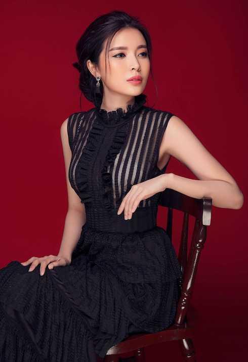 Sinh ra trong gia đình có bố mẹ từng làm kinh doanh khấm khá song Cao Thái Hà quyết tâm không dựa hơi. Cô cho biết ngay khi 20 tuổi đã tự mình kiếm tiền trang trải cuộc sống riêng giữa Sài Gòn phồn hoa.