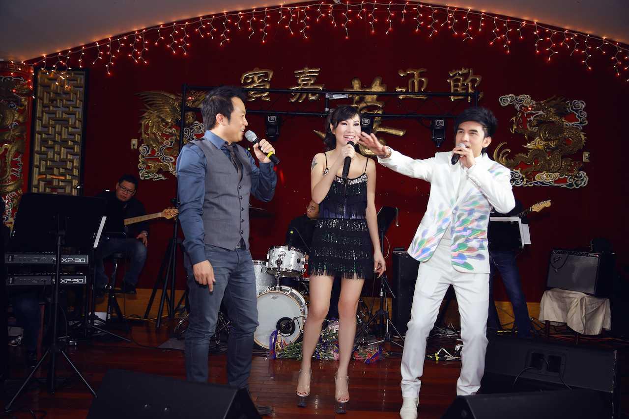 Đan Trường sánh vai ngọt ngào cùng Kavie Trần