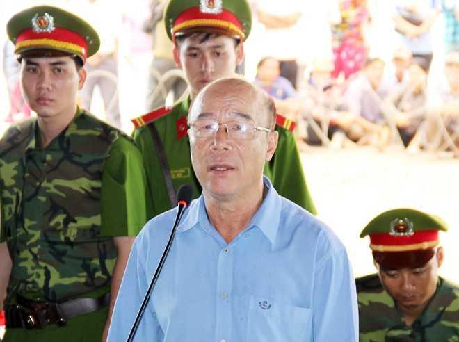 Ông Nguyễn Văn Chưởng có nhiều tình tiết giảm nhẹ, được HĐXX xác định là bị bệnh, hạn chế năng lực hành vi. Ảnh: Việt Tường.