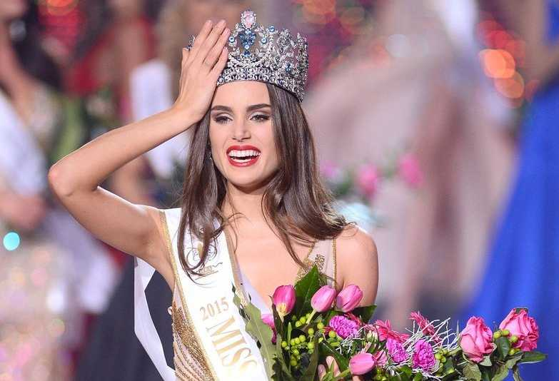 Stephania Stegman - Hoa hậu xuyên quốc gia 2015 và Hoa hậu xuyên quốc gia Paraguay .
