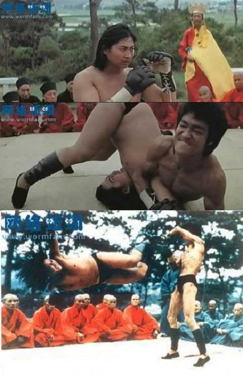 Lý Tiểu Long và Hồng Kim Bảo từng tỉ thí trên màn ảnh. Nhưng ít ai biết việc, họ cũng từng đấu võ ngoài đời. Ảnh: XBk.