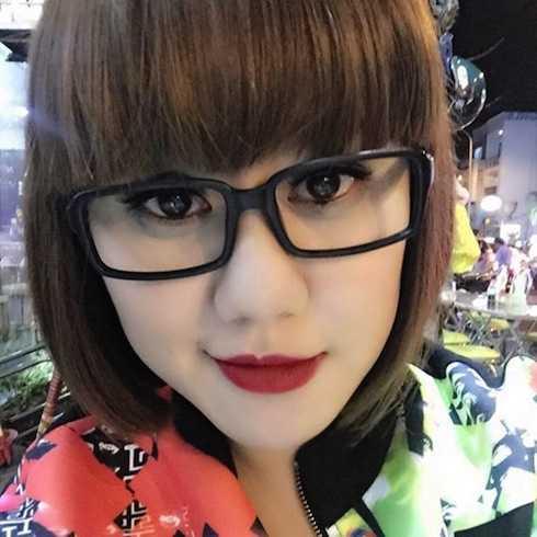 Cận cảnh dung nhan xinh xắn của bạn gái Cao Thái Sơn.