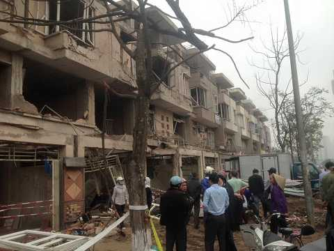 Khu đô thị Văn Phú bị hư hại nặng sau vụ nổ kinh hoàng