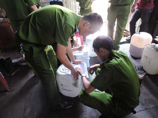 Cơ quan điều tra đã tiến hành thu giữ số hương vị và cà phê để điều tra