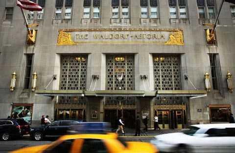 Khách sạn Waldorf Astoria ở New York (Mỹ) - Ảnh: AFP.
