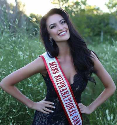 Siera Bearchell, người đẹp đến từ Canada, được đánh giá có câu trả lời ứng xử hay nhất tại Hoa hậu Siêu Quốc gia.