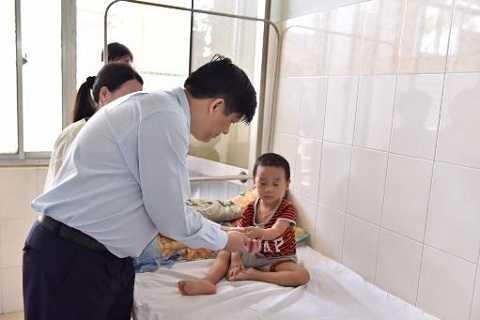 Thứ trưởng Nguyễn Thanh Long làm   trưởng đoàn, tiếp tục làm việc và kiểm tra công tác sẵn sàng ứng phó với   bệnh do virus Zika tại tỉnh Bình Thuận