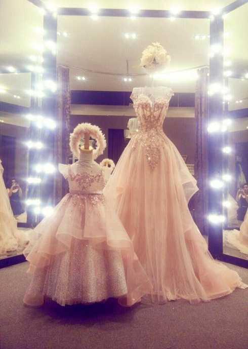 Elly Trần khoe bộ váy đôi với con gái Mộc Trà kèm chú thích: