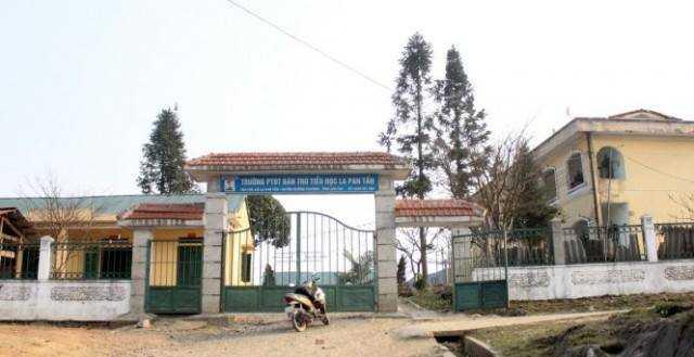 Trường bán trú La Pan Tẩn - Ảnh Hoàng Giang (Tuổi Trẻ)