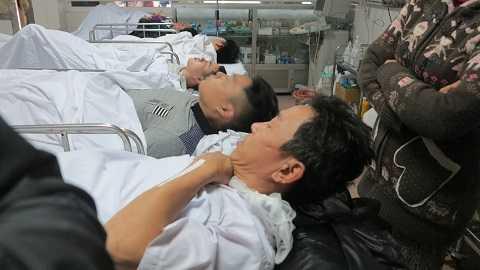 Các hành khách bị thương nằm điều trị tại bệnh viện