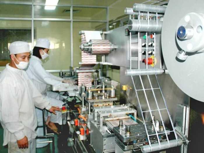Dây chuyền sản xuất viên nang mềm ở Công ty CP Dược phẩm Hà Tây