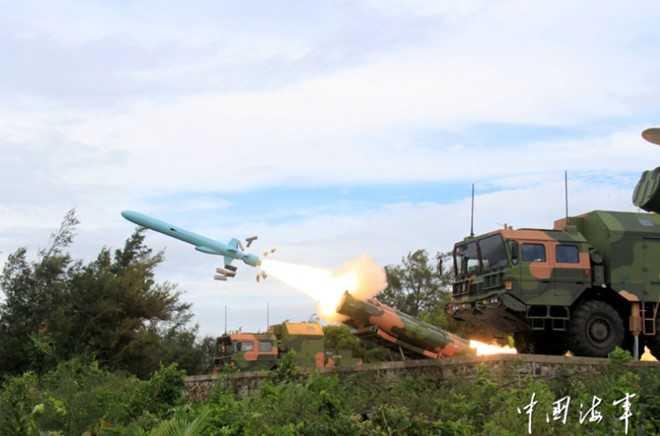 Hình ảnh tên lửa chống hạm tầm xa YJ-62 của Trung Quốc đăng trên trang web của Hải quân Trung Quốc