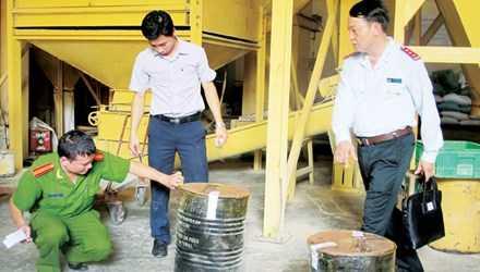 Cơ quan chức năng kiểm tra chất cấm trong chăn nuôi