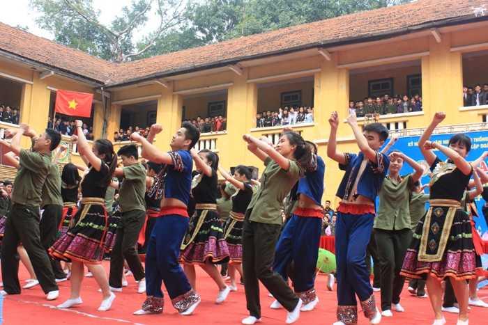 Tham gia Liên hoan dân vũ có 6 đội thi đến từ 4 chuyên khoa HV An ninh.