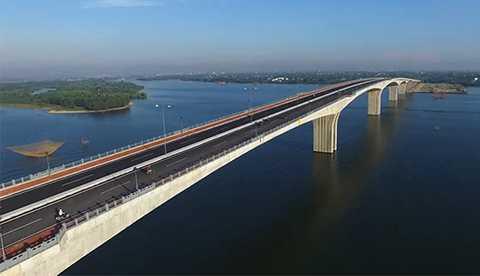Cầu Cửa Đại, cây cầu dầm liên tục có nhịp lớn nhất miền Trung