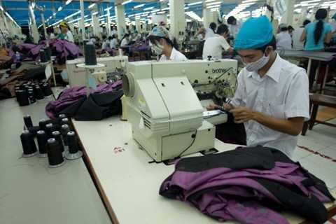 Năng suất công nhân dệt may Việt Nam chỉ bằng 80% Trung Quốc. Ảnh minh họa