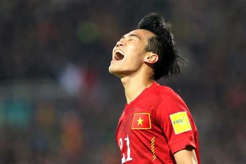 Văn Toàn phấn khích sau khi ghi 2 bàn ngay trong trận ra mắt đội tuyển quốc gia