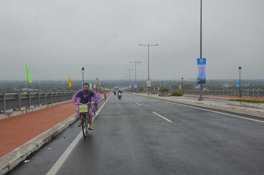 Công trình cầu Cửa Đại giúp rút ngắn khoảng cách từ TP Đà Nẵng đi TP Tam Kỳ (Quảng Nam), góp phần giảm tải cho Quốc lộ 1A.