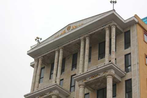 Từng chi tiết của tòa biệt thự được thiết kế, xây dựng hết sức tỉ mỉ.
