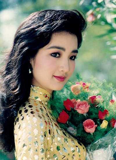 Về sau, hoa hậu để mái tóc dài và nhiều lần thay đổi kiểu tóc tôn vẻ đẹp thanh tú, dịu dàng của chị. Ảnh: Đoàn Minh Tuấn.