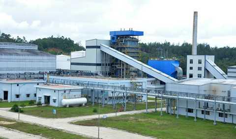 Nhà máy Bio Ethanol Dung Quất có vốn đầu tư gần 1.900 tỷ đồng đóng cửa, tạm dừng hoạt động suốt 1 năm qua. Ảnh: Minh Hoàng.