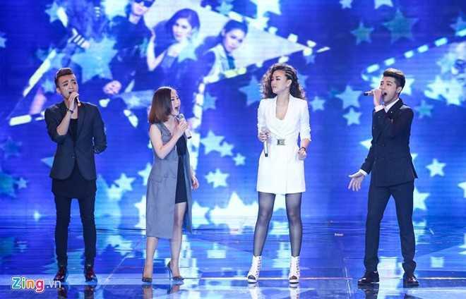 4 thí sinh hòa giọng tưởng nhớ Trần Lập. (Ảnh: Zing)