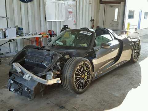 Hiện tại, chiếc 918 Spyder bị tai   nạn này được rao với giá 78.500 USD (tương đương 1,74 tỷ đồng), trong   khi chi phí sửa chữa ước tính của chiếc xe là khoảng 600.000 USD (13,3   tỷ đồng).