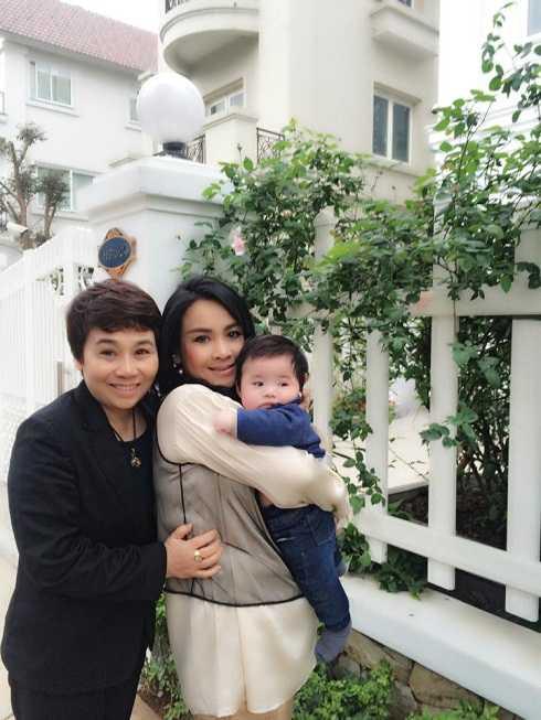 Thanh Lam khoe ảnh chụp cùng con trai Tùng Dương và một người bạn.