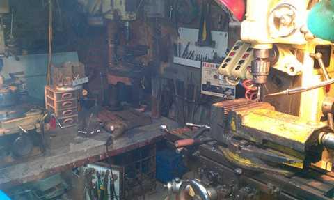Máy móc và xưởng sản xuất vũ khí của Dương Minh Nhất tại đất Cảng.