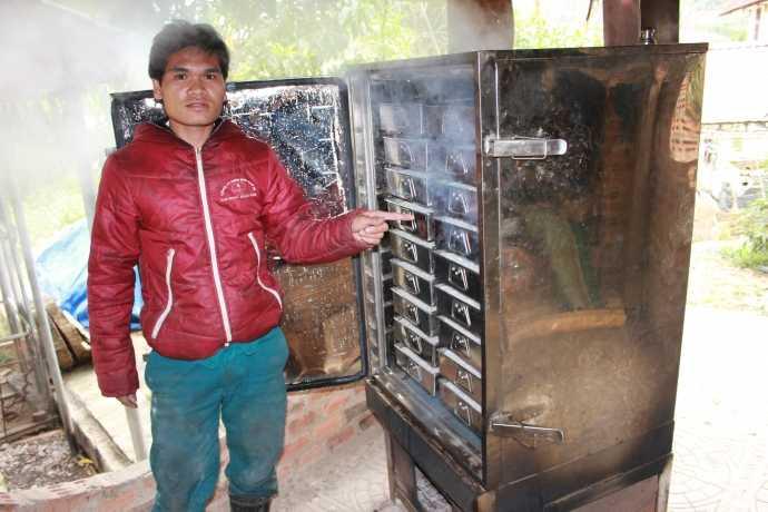 Tủ ủ cơm rượu của nhà ông Bí thư huyện ủy Tây Giang Bríu Liếc