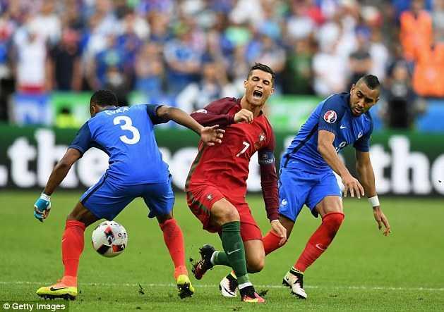 BLV Quang Huy: Chang ai nghi Ronaldo khoc den 2 lan, Bo Dao Nha vo dich la dinh menh hinh anh 1
