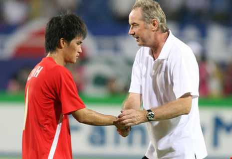 Cong Vinh vs Alfred Riedl: Cuoc chien cuoi cung hinh anh 1