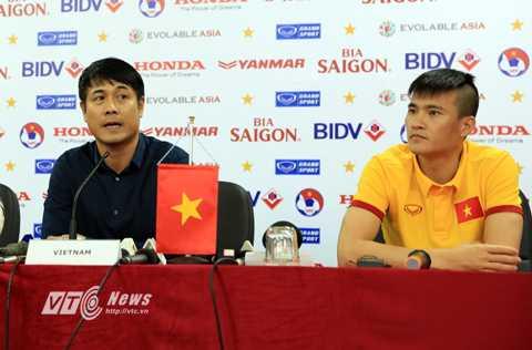 HLV Huu Thang va Cong Vinh deu bo phieu cho Ronaldo hinh anh 1