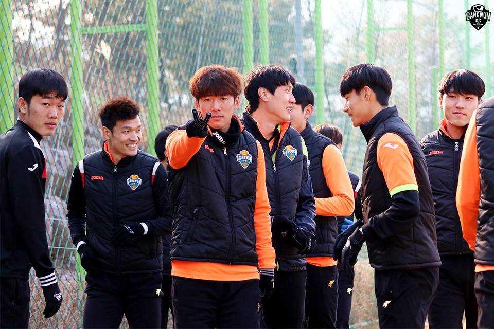 Xuan Truong da chinh, Gangwon vui dap doi thu hinh anh 1