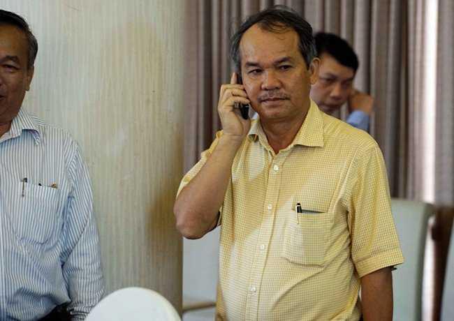 Bau Duc da muon 'phe truat' truong ban Nguyen Van Mui the nao? hinh anh 1