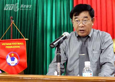 Truong ban trong tai Nguyen Van Mui mia mai, chi trich bau Duc hinh anh 1