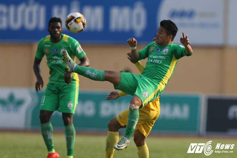 FLC Thanh Hoa bat bai: Dau an ong thay vo dich Champions League hinh anh 6