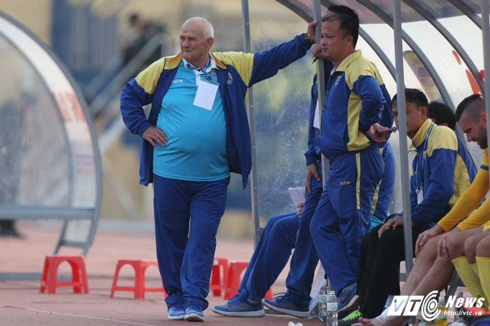 FLC Thanh Hoa bat bai: Dau an ong thay vo dich Champions League hinh anh 1