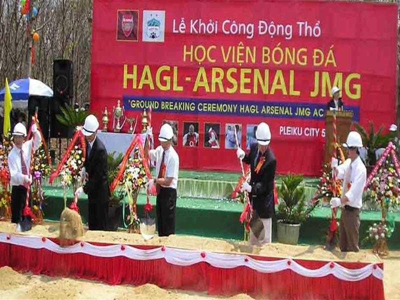 10 nam hoc vien HAGL-Arsenal JMG ngon cua bau Duc ca ngan ty dong hinh anh 1