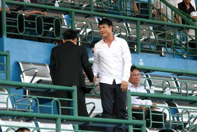 Cong Phuong da do, HLV Huu Thang 'vo dau but tai' hinh anh 2
