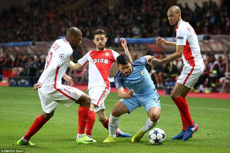 Xem 'hung than' U20 Phap ghi ban loai Man City khoi Champions League hinh anh 3