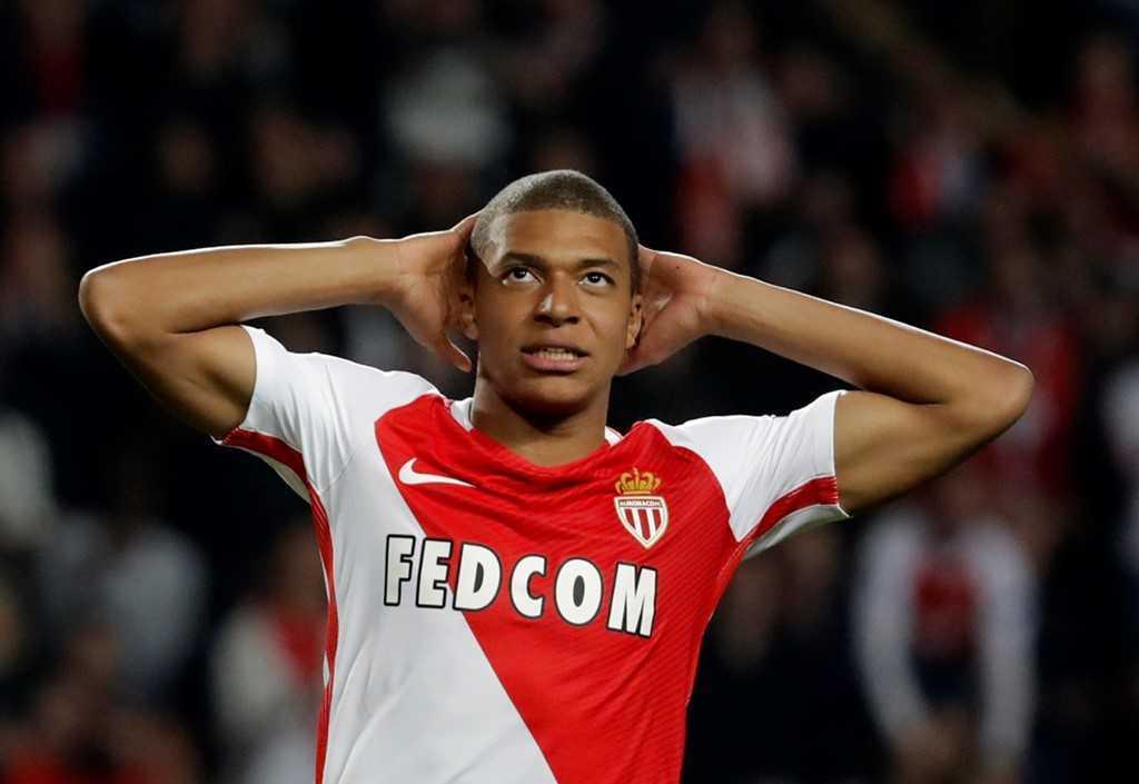 Xem 'hung than' U20 Phap ghi ban loai Man City khoi Champions League hinh anh 9