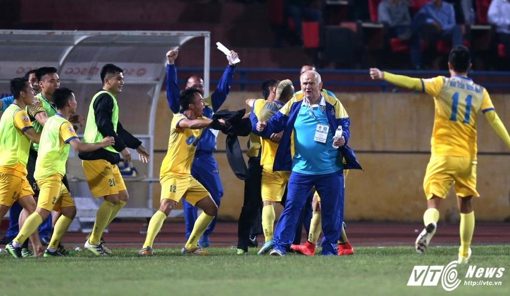 Video xem truc tiep FLC Thanh Hoa vs Than Quang Ninh da bu vong 11 V.League hinh anh 1
