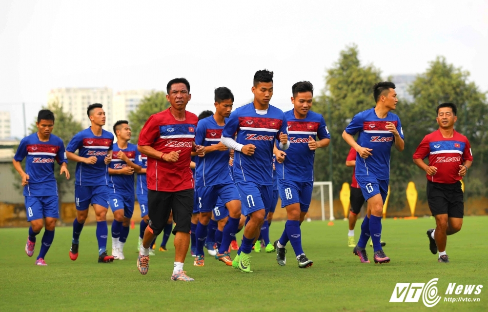 Tuyen Viet Nam bay 'hanh xac' dau vong loai Asian Cup 2019 hinh anh 2